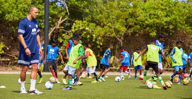 Bobby Zamora Maldives coaching session